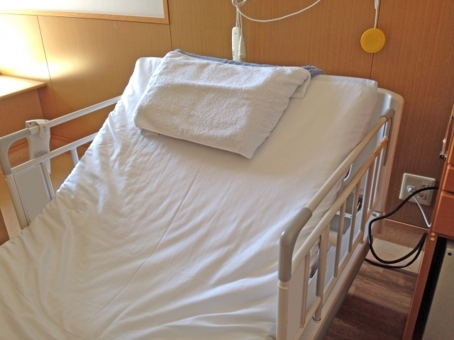 介護ベッド.jpg